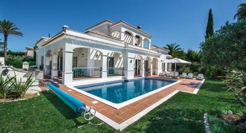 Villa / house casa antiga to rent in quinta do lago