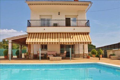 Villa / house valltordera to rent in tordera