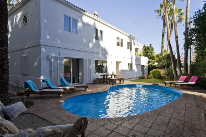 Villa / house Compta to rent in Altea