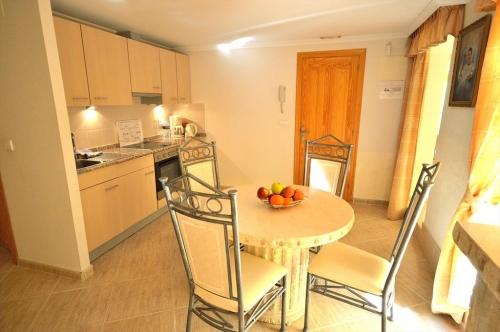 Villa / house albanirora to rent in albir