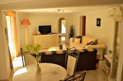 Villa / maison albanirora  albir