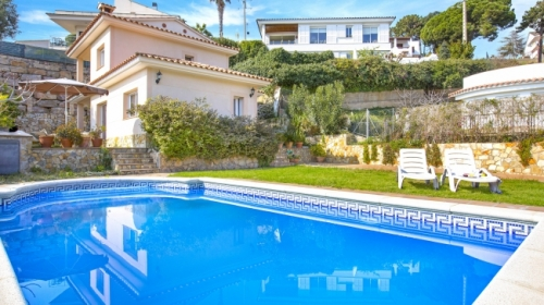 Villa / house mina to rent in lloret de mar