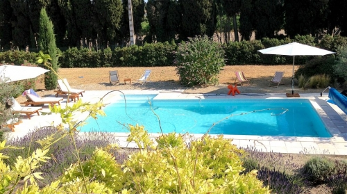 Exceptional property figuiere to rent in st remy de provence