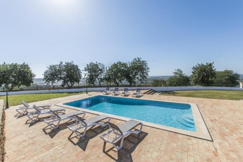 Villa / house silvina to rent in silves