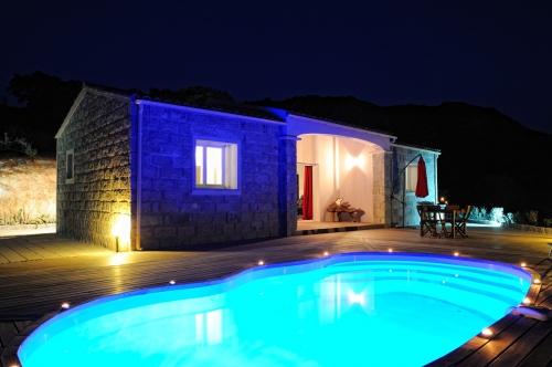 Reserve villa / house figa
