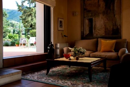 Villa / maison daphne à louer à kalyvia thorikou