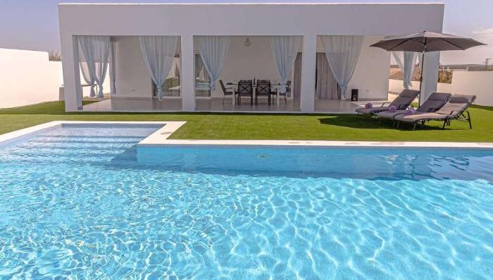 Villa / house Cazalia to rent in  LA PUEBLA DE CAZALLA
