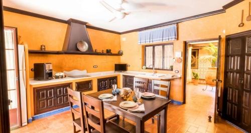 Property villa / house la cantina