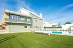 Villa / house Mina to rent in Caparica