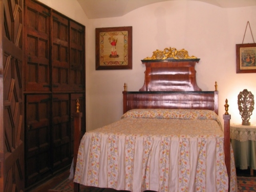Reserve traditional detached house cal fernando 20803