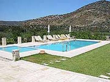Villa / house spilia to rent in perama, crete