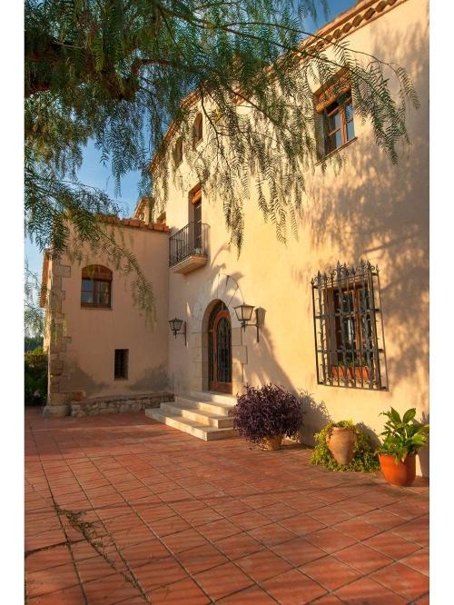 Property accommodation in a villa / house l'olivera gran 30303