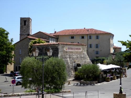 Le Bar-Sur-Loup  villas