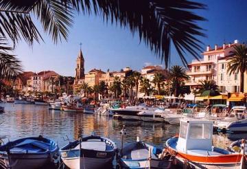 Sanary sur mer villas holidays villas in sanary sur mer - Office du tourisme sanary sur mer ...